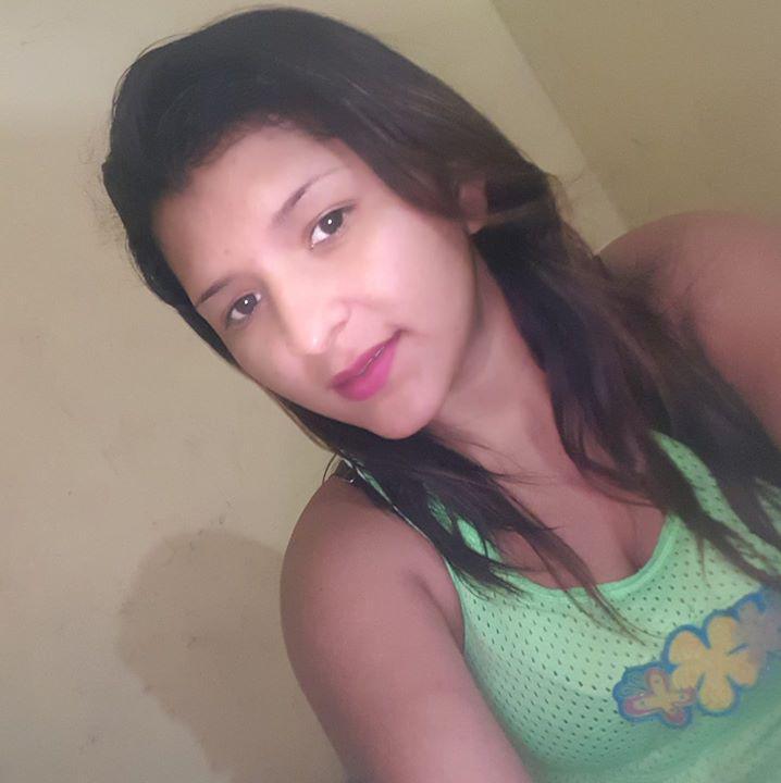 Mujer Soltera - 541430
