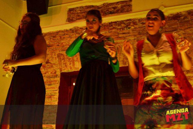 Mujeres Solteras - 796897